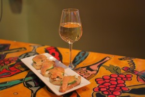 White Wine and Salmon Crustini