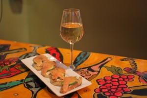 White Wine and Salmon Crustini
